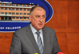 POLITIČKE TRZAVICE U PRIJEDORU JOŠ TRAJU Đaković (DNS) demantuje navode Bursaća (SNSD)