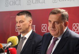 IMA LI SPASA KOALICIJI Sastanak Dodika i Nešića trajao svega nekoliko minuta