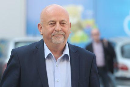 """""""BEZ BUDŽETA POLA GODINE"""" Načelnik Kostajnice traži raspuštanje Skupštine"""
