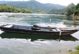 BEZUSPJEŠNO POKUŠAVALI DA GA REANIMIRIAJU Riba teška 18 kilograma uskočila u čamac i USMRTILA MUŠKARCA
