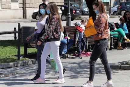 SVE VIŠE MLADIH MEĐU ZARAŽENIMA Novi talas epidemije povezan sa širenjem korone u ŠKOLAMA