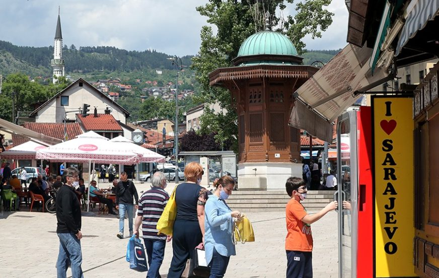 VIRUS NE MIRUJE U Kantonu Sarajevo NOVIH 49 SLUČAJEVA ZARAZE koronom