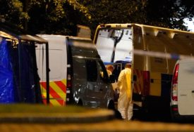 BRITANIJA NA NOGAMA Masakr u Redingu povezan sa terorizmom (FOTO)