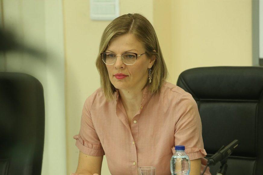 Epidemiolog Jela Aćimović za SRPSKAINFO: Virus nije oslabio i sada se BRŽE PRENOSI
