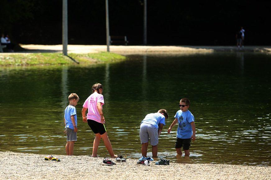 ALTERNATIVA ODLASKU NA MORE Jezero na Manjači privlači brojne posjetioce