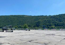 PRIPREME ZA PREMIJER LIGU Karišik opet u Krupi, počelo renoviranje terena