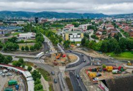 "RADOVI U LAZAREVU Za vozače formiran privremeni kružni tok kod ""Lesnine"""