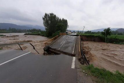 POPLAVA NAPRAVILA HAOS Mještani Ljubovije ostali bez tri mosta, voda prodrla u 700 kuća