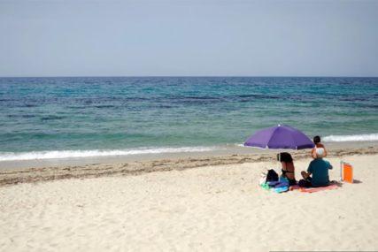STANJE U CRNOJ GORI Plaže im puste, ali ugostitelji neće da spuste cijene