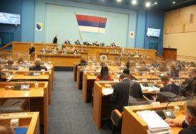 APSURD U NARODNOJ SKUPŠTINI Preletači iz opozicije čuvaju vlast u Srpskoj