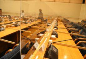 REDOVNA SJEDNICA NSRS Poslanici o Prijedlogu zakona o visokom obrazovanju, o izmjenama poslovnika