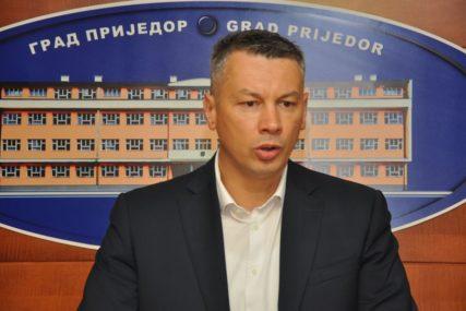 OBA BLOKA IZ SRPSKE IMAJU ENTITETSKU VEĆINU Nešićev prelazak u opoziciju promijenio odnos snaga u Parlamentu BiH