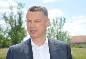 """""""DEBLOKADA PROJEKATA JE ZNAČAJNA"""" Nešić o normalizaciji odnosa Beograda i Prištine"""
