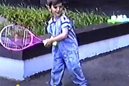NOLE JE BIO PRESREĆAN Pogledajte reakciju srpskog tenisera kada je dobio svoj prvi reket (VIDEO)