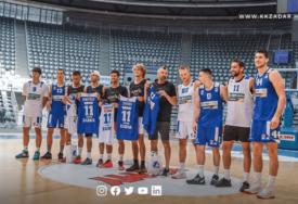 ZABAVILI SE U ZADRU Teniseri nakon fudbala u Beogradu u Hrvatskoj igrali košarku (VIDEO)
