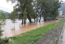 HAOS ZBOG OBILNIH KIŠA Poplave u Bogojnu, Donjem Vakufu i Livanjskom kantonu