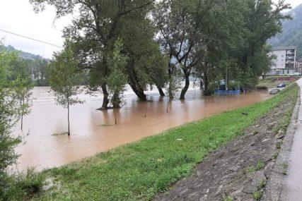 KIŠA DONOSI NEVOLJE Iako su vodostaji rijeka u Srpskoj stabilni, u pojedinim mjestima se očekuju bujične poplave