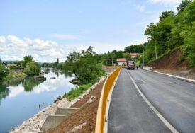 RADOVE ZAVRŠILI U JUNU, SAD OBJAVILI TENDER  Doplaćeno za sanaciju klizišta i izgradnju ulice u Priječanima