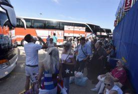 SREĆU POTRAŽILI U SUSJEDSTVU Više od 12.000 osoba iz BiH prošle godine se iselilo u Hrvatsku