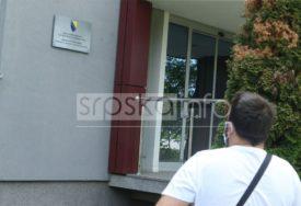 SIPA U AGENCIJI ZA LIJEKOVE BiH Inspektori u Banjaluci izuzimaju dokaze za aferu RESPIRATORI (FOTO)