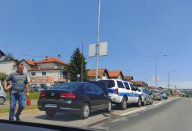 KARAMBOL NA BANJALUČKOM TRANZITU U udesu učestvovalo i vozilo policije (FOTO)