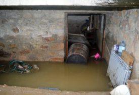 JEVTIĆI POD VODOM Padavine uništile sve što su domaćini zasijali (FOTO)