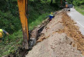 ZBOG ASFALTIRANJA LOKALNOG PUTA Stopiran saobraćaj na putu Bistrica- Gornja Piskavica
