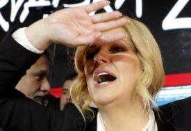 KOLINDA POKAZALA SREDNJI PRST Bivša predsjednica Hrvatske poslala nimalo suptilnu poruku Škori (FOTO)