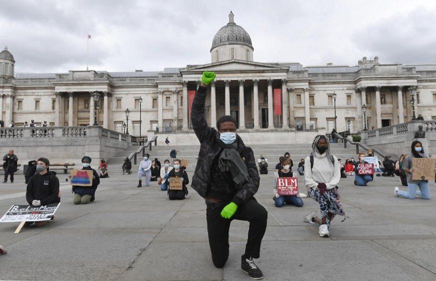 """""""PRIDRŽAVAJU SE MJERA"""" Pens ističe da protesti u SAD nisu uzrokovali porast broja zaraženih"""