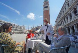 MJERE U ITALIJI Zbog obavezne distance poništeno 8.000 voznih karata