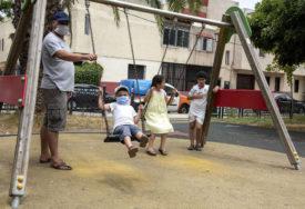 VAŽNO ZA RODITELJE U ovom uzrastu djeca NE BI SMJELA da imaju zaštitne maske preko lica