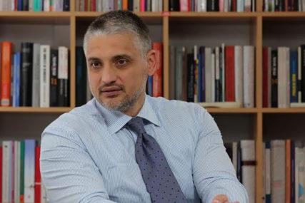 Oglasio se Čeda Jovanović o privođenju: Ispadam veći problem od Velje Nevolje