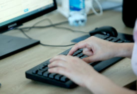 ŠOKIRANI ODZIVOM Blizu 1.000 APLIKACIJA za radno mjesto recepcionera u Britaniji