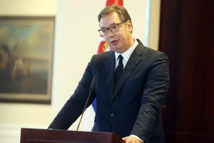 """VUČIĆ ZABRINUT ZBOG EPIDEMIOLOŠKE SITUACIJE """"Srbija je ubrzala pregovore za nabavku vakcine"""""""