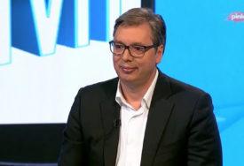 """""""NE VJERUJTE LAŽIMA NA DRUŠTVENIM MREŽAMA"""" Vučić poručuje da će Srbija da uzme samo registrovane vakcine protiv korone"""