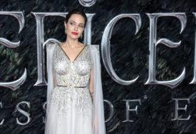 KOMŠIJE ZGROŽENE Poznata glumica zbog svojih NAVIKA nije omiljena u komšiliku
