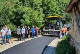 BOLJI USLOVI ZA ŽIVOT STANOVNIŠTVA Asfaltiranjem do kvalitetnijih saobraćajnica i daljeg razvoja Srpske