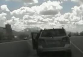 """NESTAŠNI MALIŠAN Dječak (5) ukrao auto od roditelja i krenuo da kupi """"lamborghini"""" (VIDEO)"""
