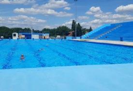 OŠTRIJE MJERE U NOVOM SADU Zatvoreni bazeni i spa centri, otkazane manifestacije