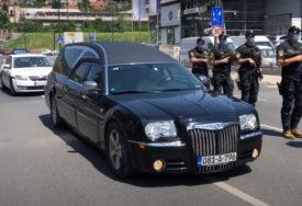 PREMINUO OD KORONE Ispred Vlade FBiH upriličen posljednji ispraćaj ministra Bukvarevića