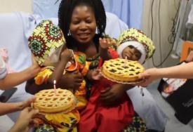 NISU MOGLE DA VIDE JEDNA DRUGU Uspjela operacija razdvajanja sijamskih bliznakinja (VIDEO)