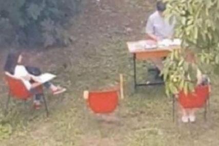 """ISPITI SU JAVNI"" Profesor Medicinskog fakulteta zakazao ispit ISPOD ORAHA (FOTO)"
