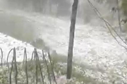 PADAO KRUPAN LED Snažna oluja pogodila dijelove Austrije i Slovenije (VIDEO)
