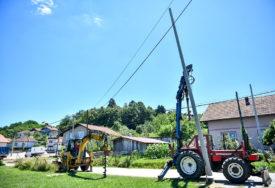"""Poslovne aktivnosti najvećeg ELEKTRODISTRIBUTIVNOG PREDUZEĆA u RS: """"Elektrokrajina"""" izgradila 200 km NOVE MREŽE"""