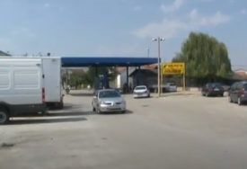 """""""OTEŽAVAJU NAM SVAKODNEVICU"""" Protest mještana Čapljine zbog zatvorenog GP Gabela Polje"""