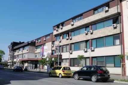 """""""REDOVNO IZMIRUJEMO OBAVEZE"""" Korona kreše budžetske prihode u Gradiški"""