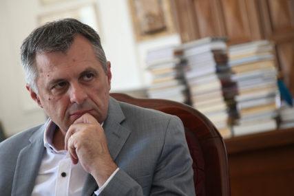 """""""NE SMIJEMO PREĆI CRVENU LINIJU"""" Radojičić upozorio da je Banjaluka prešla cifru od 5.000 BOLESNIH I IZOLOVANIH"""