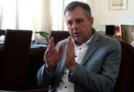 """""""PRIVREDA NE MOŽE PODNIJETI NOVO ZAKLJUČAVANJE"""" Radojičić najavio razgovore sa poslodavcima"""