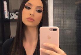 LIJEPA VODITELJKA MAMI UZDAHE Jelena ponosno pokazuje obline na Instagramu (FOTO)