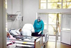 POGORŠANJE EPIDEMIOLOŠKE SLIKE U FRANCUSKOJ Raste broj pacijenata na intenzivnoj njezi